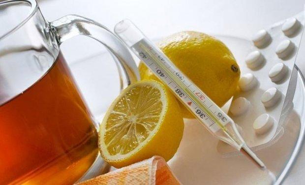 Čaj s medem a citrónem užívá třetina Čechů proti nachlazení